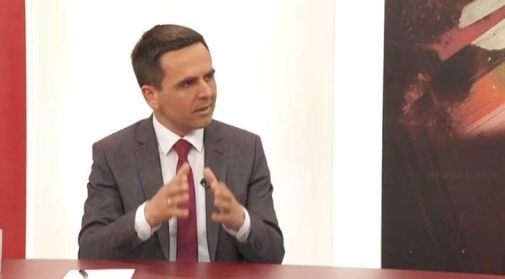 Kasami: 2 deputetë të opozitës shqiptare do t'i bashkohen shumicës