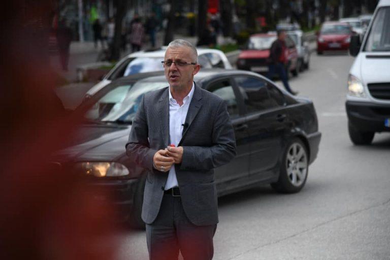 Halil Kastrati sot vizitoi Tetovën, dhuroi një banesë