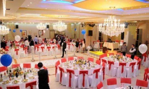 Maqedoni: Pronarët e restoranteve të dasmave kërkojnë protokolle edhe për ambientet brenda lokaleve