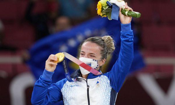 Kjo është Medalja e Artë që Distria Krasniqi do ta sjellë në Kosovë (FOTO)