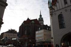 Looking away from the Viktualianmarkt toward Marienplatz, the city's central square