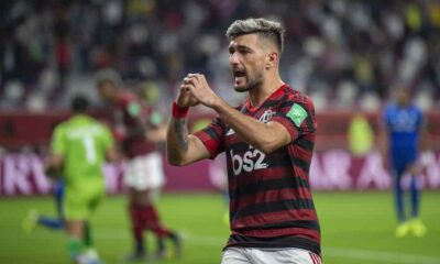 Flamengo edge toward Brazilian Serie A title, beat Internacional