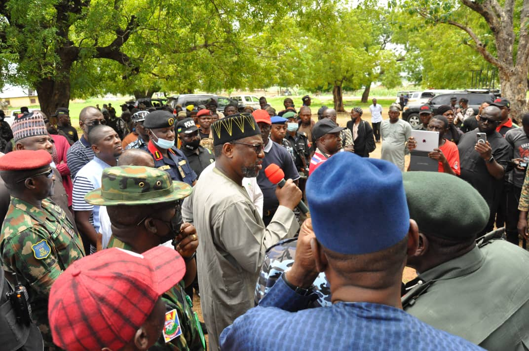 Niger governor lauds security agents at Kundu village