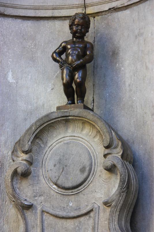 Manneken Pis - Bruxelles - No Mad Land
