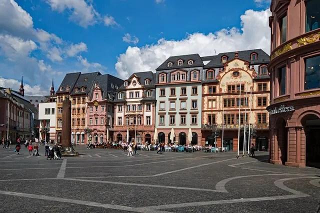 Die besten Single-Treffpunkte in Mainz