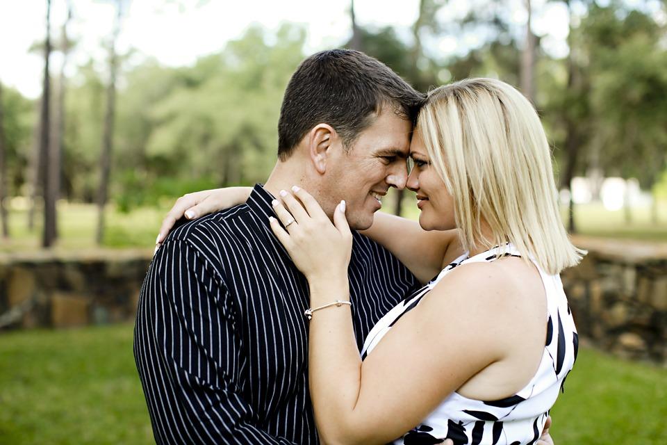 couple-663183_960_720