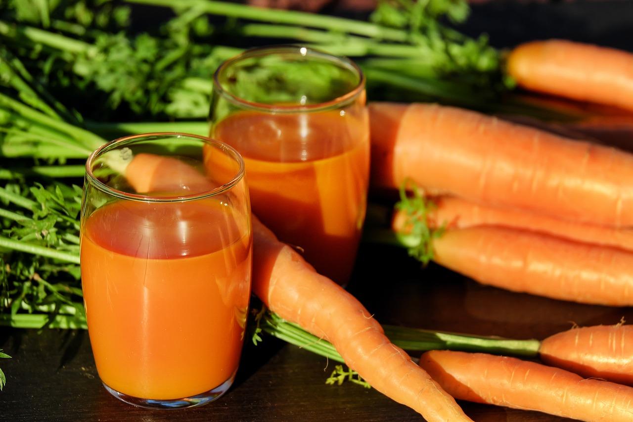carrot-juice-1623157_1280