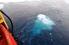 The bubble created by the airguns on the Louis. (Photo Courtesy Pat Kelley USCG)