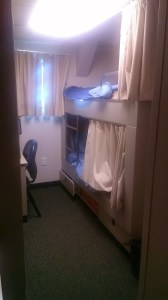 I get top bunk!