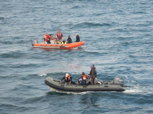 The two dive teams set off to complete their morning dives