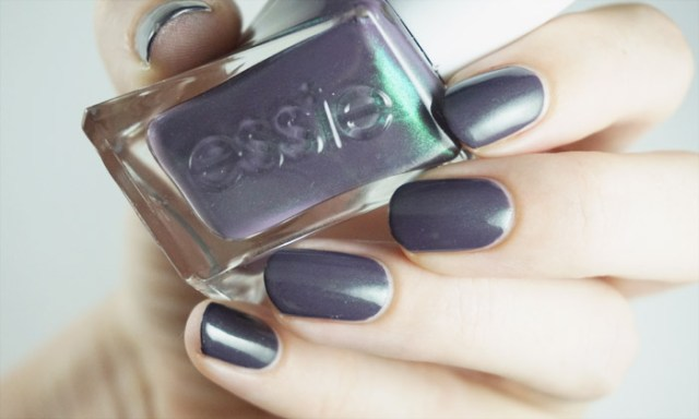 swatch of essie twill seeker (gel couture)