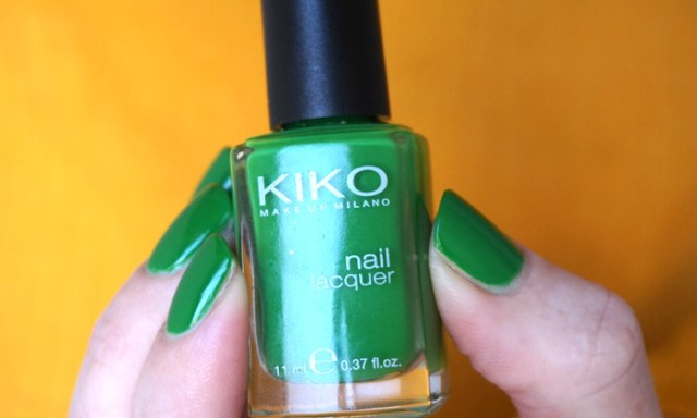 picture of the bottle of kiko 391 grass green, which is a medium green nail polish