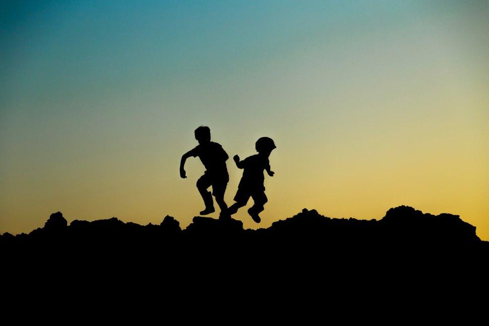 margaret-weir-children sunset-unsplash