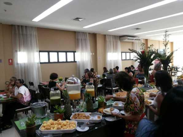 Natura presta homenagem a consultoras por tempo de atividade em Manaus