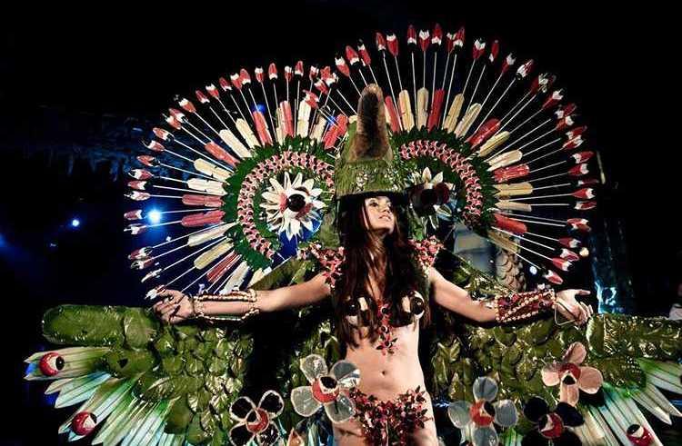 Marivone Ferreira Batista, representando a zona rural da cidade, participou da disputa dos trajes típicos Foto: Fernando Cavalcanti / Divulgação