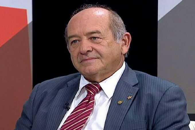 Francisco Praciano teve um mal súbito, durante evento e foi internado em um hospital de Fortaleza