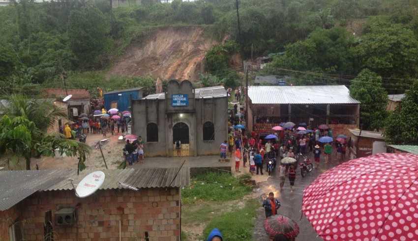 Quatro pessoas morrem em desabamento de casa na zona Leste de Manaus - Imagens Grupo Notícias do Amazonas