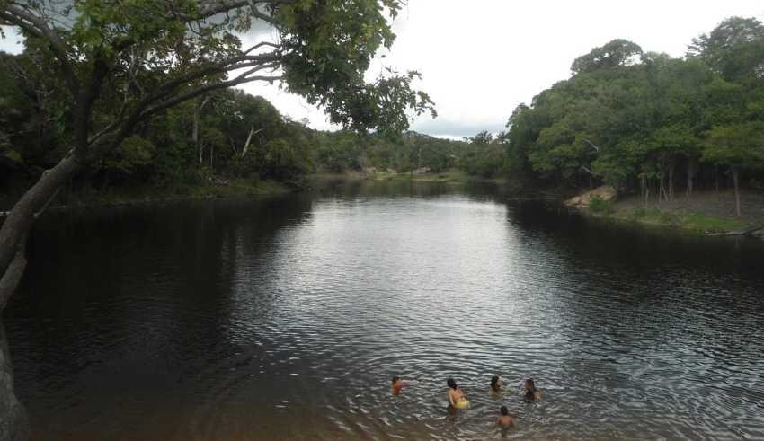 """Famoso """"escondidinho'' do Livramento. Praia do Rio Negro."""