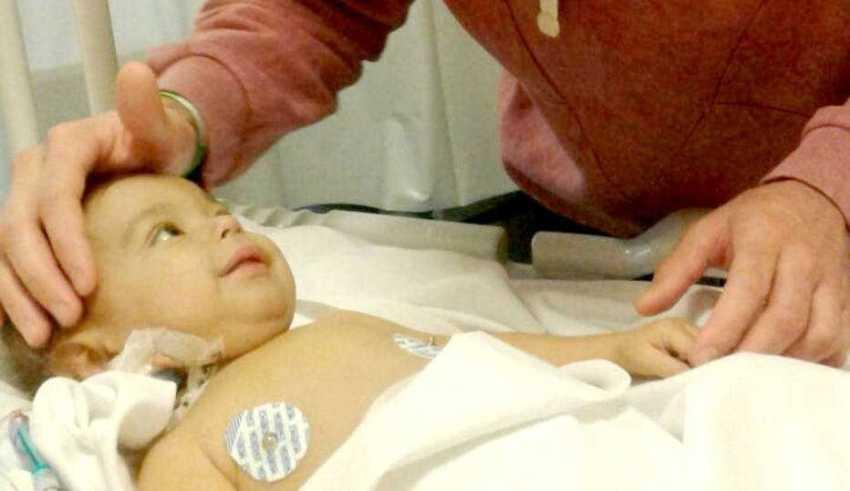 Ex-jogador considera encontro com o sobrinho após a operação como o momento mais emocionante de sua vida - Imagem: Reprodução/Facebook