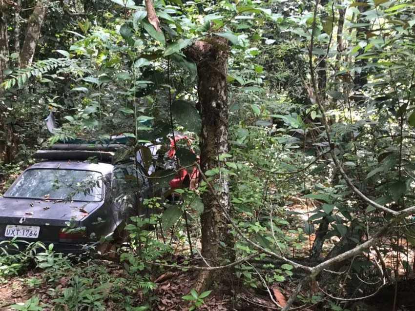 Polícia Civil descobre terreno no bairro Tarumã utilizado como 'cemitério' de carros -Imagem: Erlon Rodrigues/Assessoria de Imprensa da PC-AM