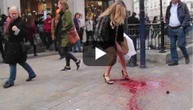 Mulher tem explosão menstrual na rua e choca pedestres