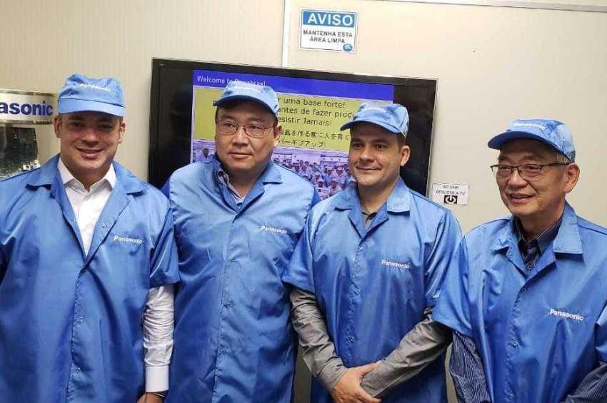 Deputados visitam fábrica do Distrito Industrial em Manaus - Imagem: Divulgação