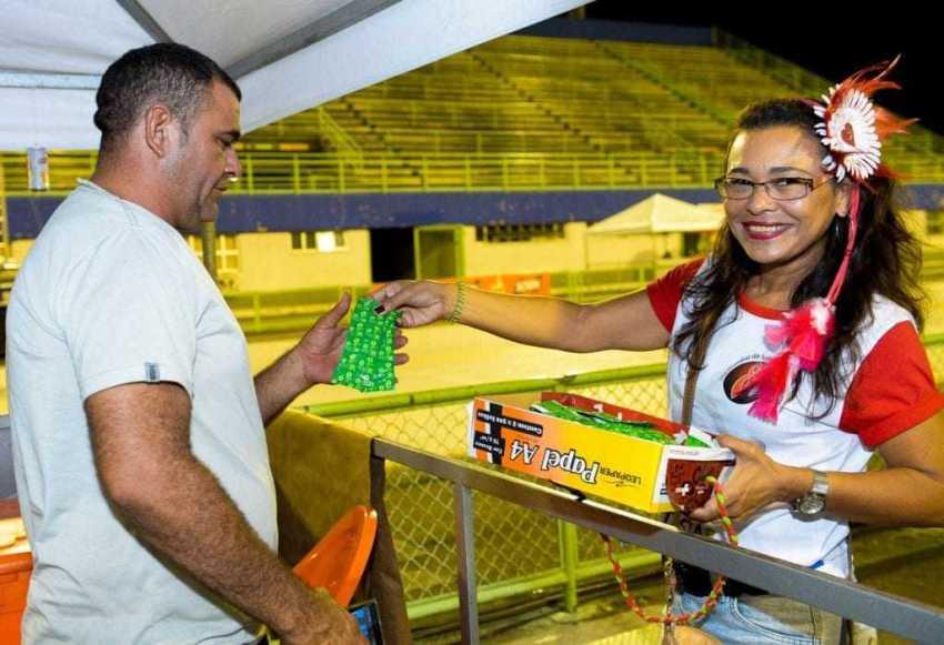 Durante o período carnavalesco, serão distribuídos nos eventos carnavalescos 1,2 milhão de preservativos e 112 mil géis lubrificantes, além de material informativo. / Foto: Divulgação/SUSAM