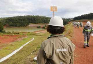 Além das barragens, o órgão estadual vistoriou também outras atividades realizadas na Mineração Taboca que exigem licença do Ipaam. / Foto: Ricardo Oliveira/IPAAM