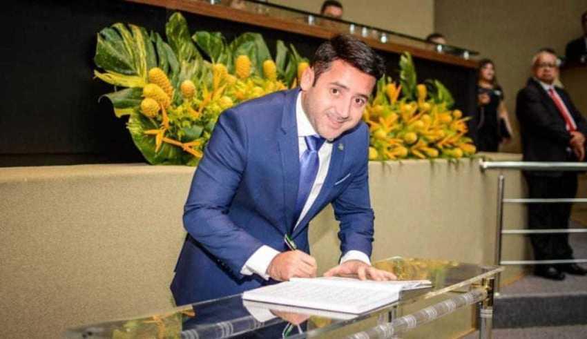 Como porta-voz do Poder Executivo, o deputado trabalhará para a aprovação de projetos que contribuam para o desenvolvimento do Amazonas e para a atenção básica para os municípios do interior. / Foto: Reprodução/Instagram