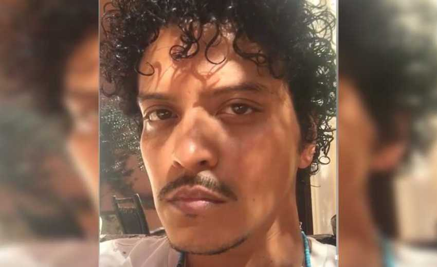Bruno Mars reaperece de visual novo e agora tá com cara de cantor BR de tecnobrega