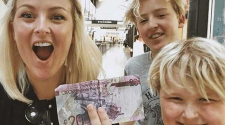 Mãe zoeira com os filhos / Foto : Reprodução Instagram