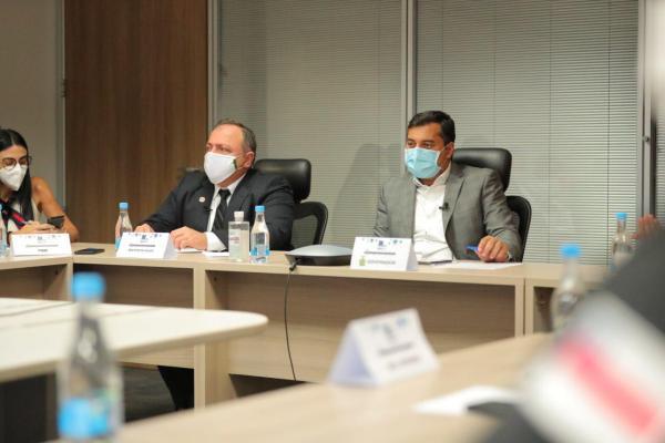 Wilson Lima pede de Pazuello a antecipação da campanha de vacinação contra gripe no Amazonas / Fotos: Diego Peres/Secom