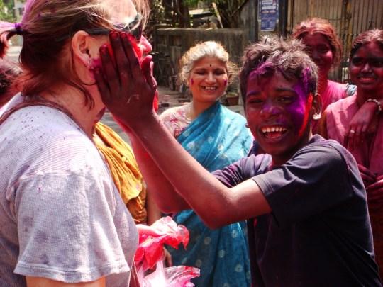 tips to celebrate holi in india