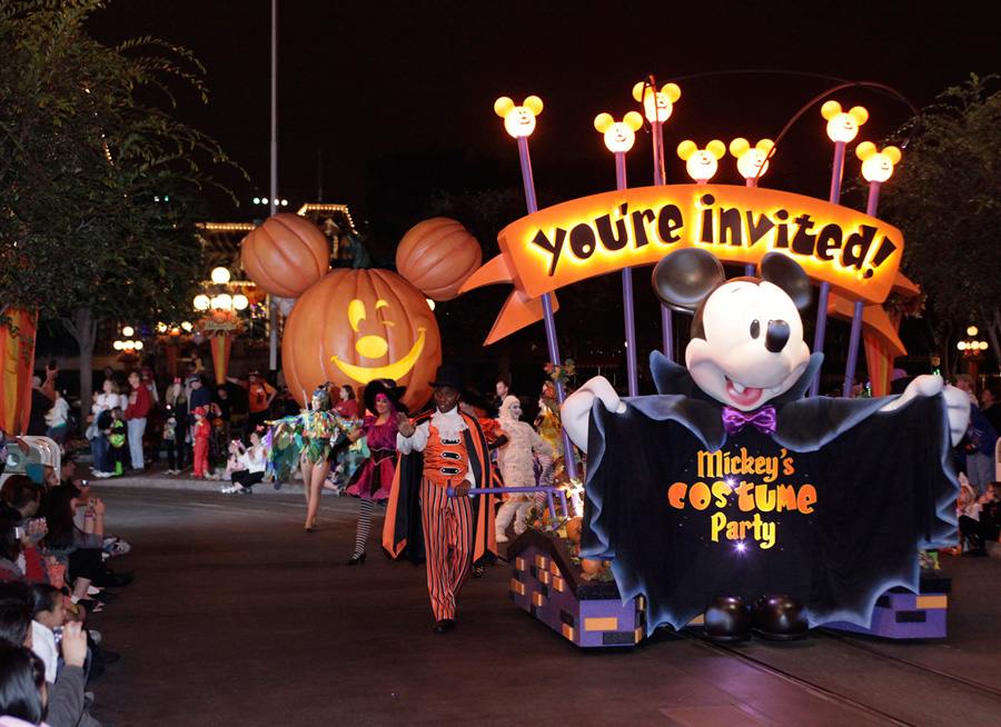 What to do in Los Angeles for Halloween - No Back Home