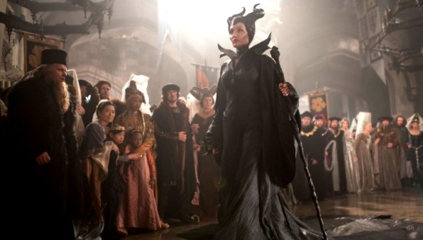 Maleficent_costumedesign3