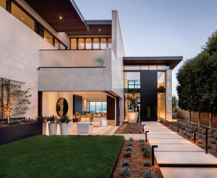 From the high-end luxury market, Neal Ward's $46 million listing in Cow Hollow.
