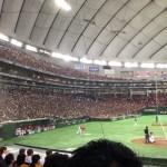 【東京ドーム観戦記】ホーム最終戦のセレモニーでボールをゲットできる確率は高い