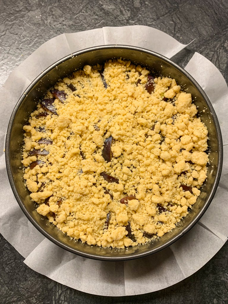 plum-crumble-cake