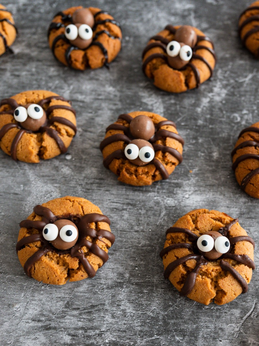 peanut-butter-spider-cookies