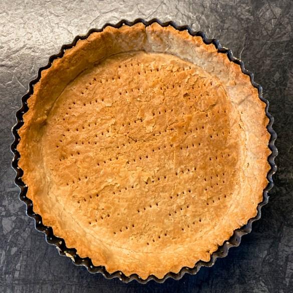 Homemade flaky pie crust