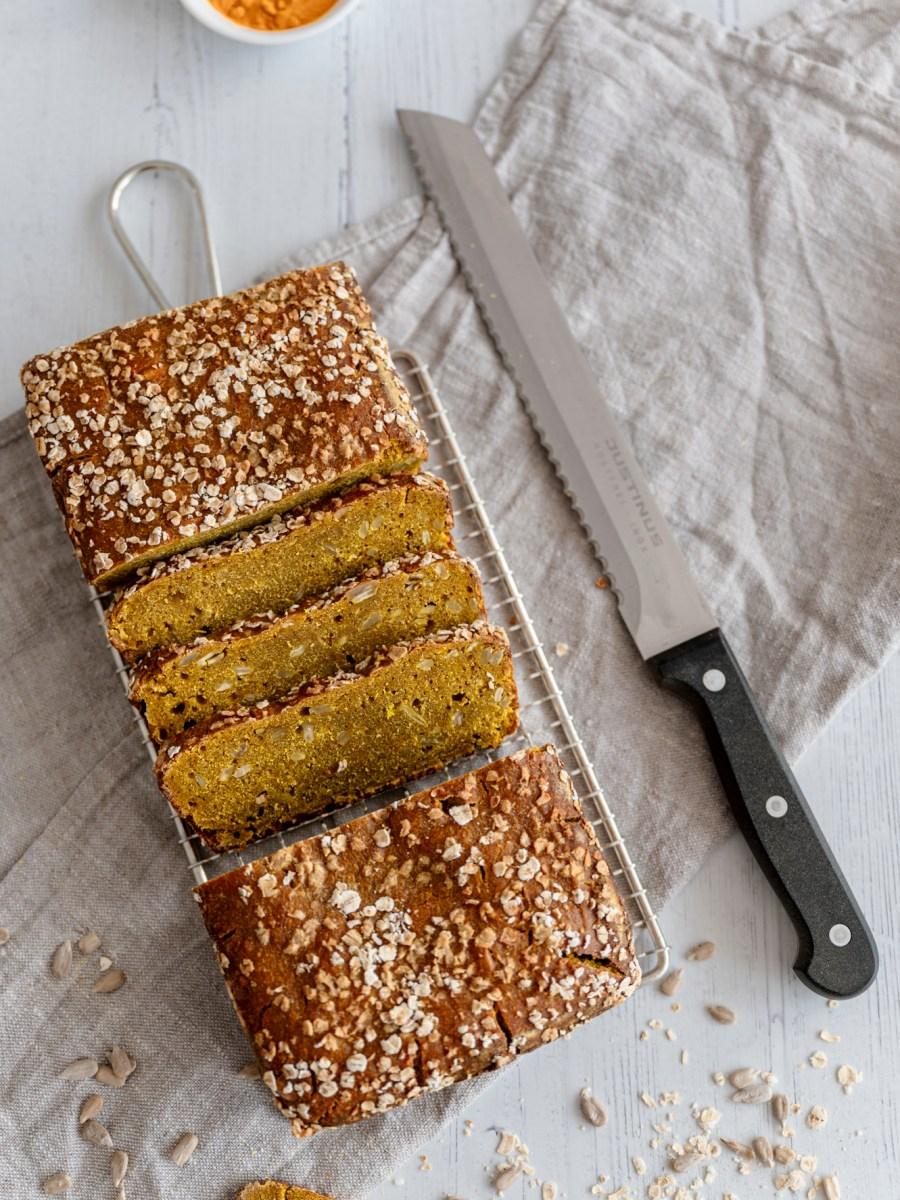 Sourdough Discard Turmeric Bread