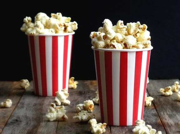 5 Reasons why Popcorn is by far the Healthiest Snack Ever!