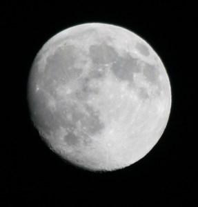 moon-100109