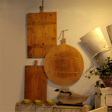 Primitive antiques cutting boards and rolling pins