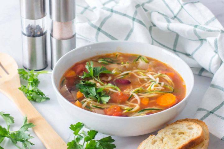 Soupe aux Zoodles et Légumes