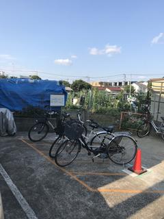 コーポいずみⅡ屋根なし駐輪場.JPG