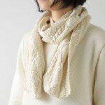 縄編みニットマフラー
