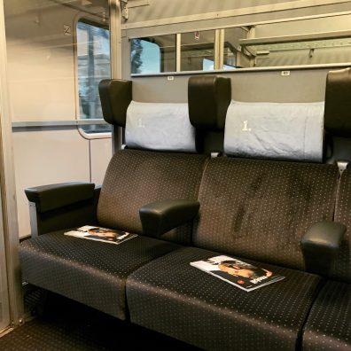 Modernisierter InterCity. Sechs Plätze im Abteil für mich alleine. So macht Reisen Spaß
