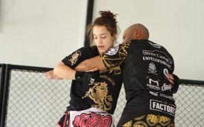 Após quase dois anos sem lutar, Liana Pirosin retorna no…