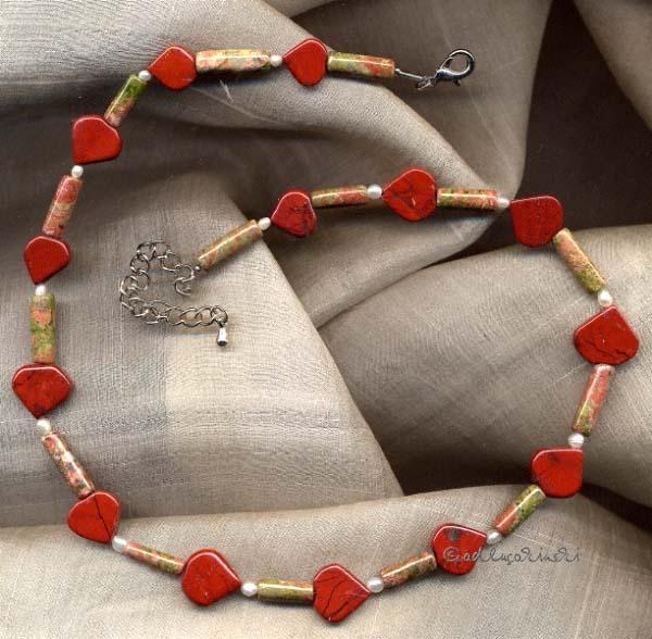 Jaspis und Unakit als Halskette